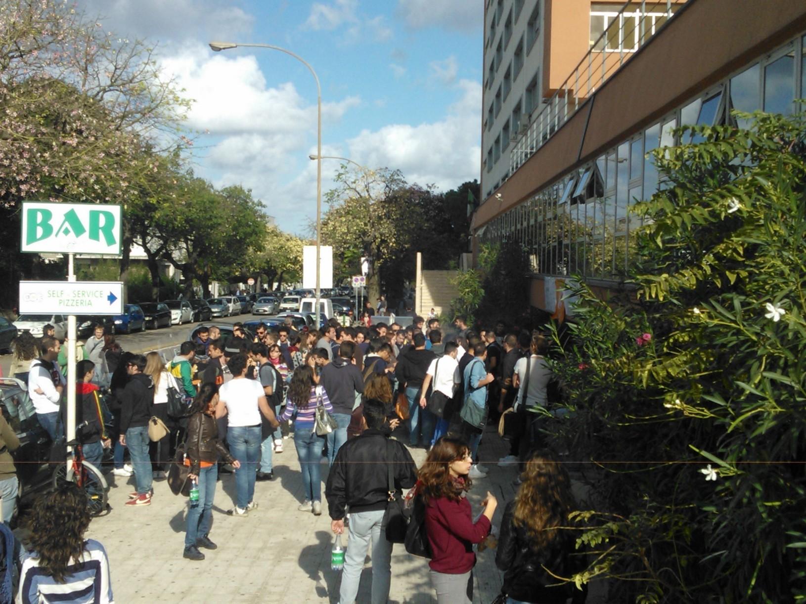Gli studenti sono indignati temiamo agitazioni.
